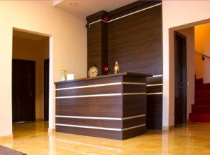 Stevens Wood-dp-receptiondesk-1